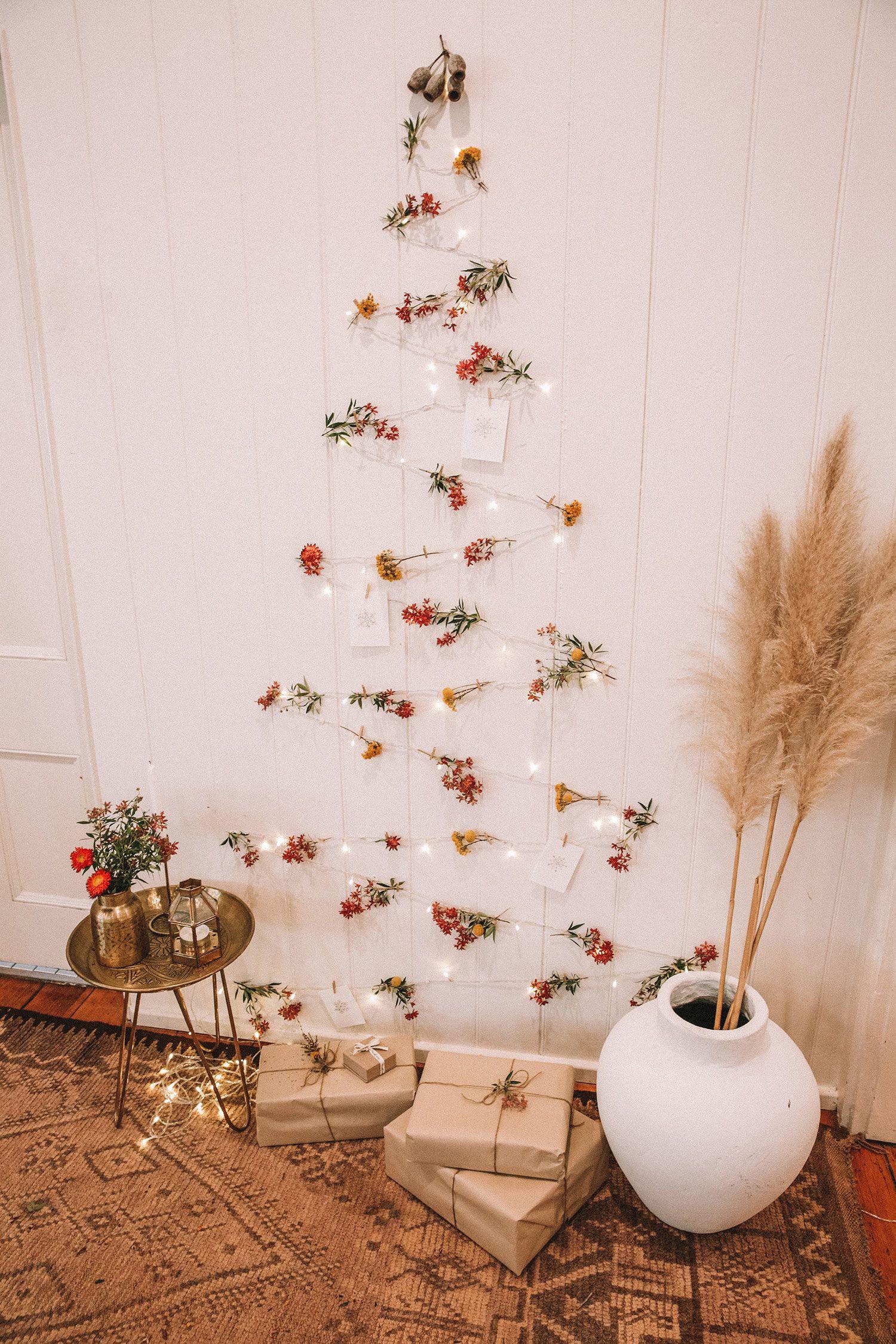 Decorative Ornaments For Living Room: DIY: Fairy Light Christmas Tree
