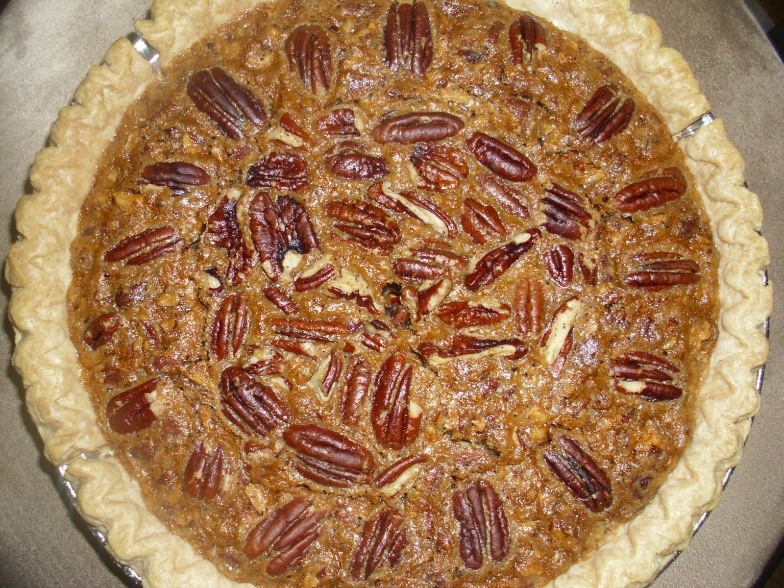 Living, Learning, Eating: Recipe: Southern Pecan Pie