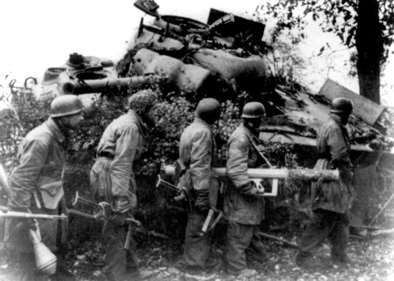 WW2 BLANCO COUNTY MUSEUM - Panzerschreck and Panzerfaust