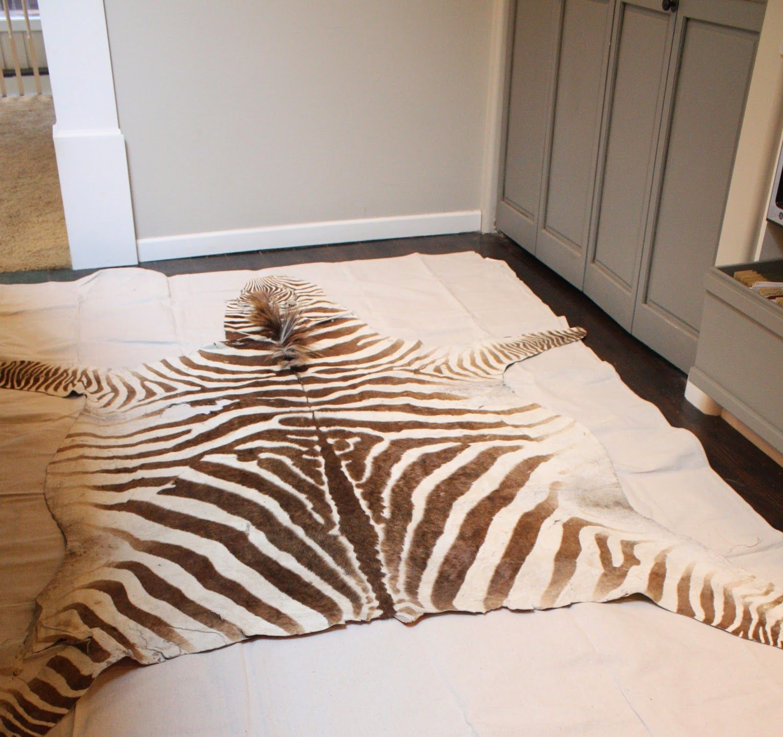 My Sweet Savannah: ~$15 DIY Faux Zebra Rug~{thrifty
