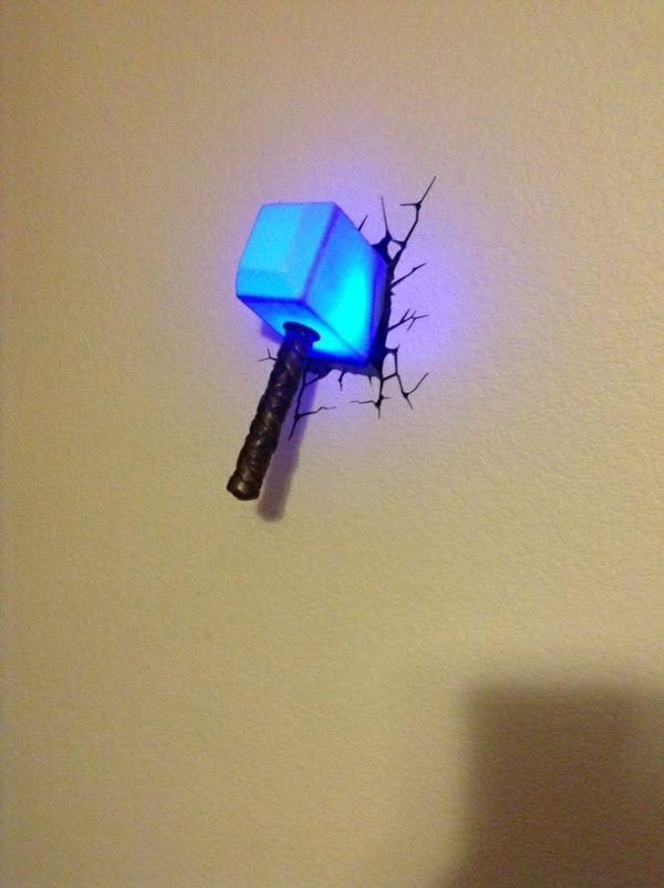 Trend lampen f r kinderzimmer ein blauer hammer