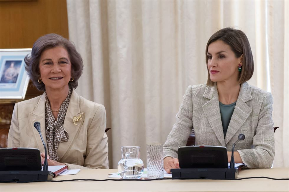 Queen Letizia of Spain (R) and Queen Sofia (L) attend an audience with the communication media of FAD (Foundation Against Drug adicction) at the Zarzuela Palace on September 29, 2015 in Madrid, Spain.