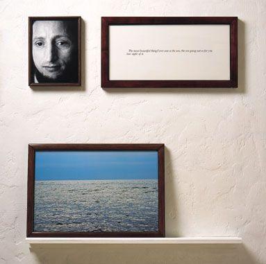 "Sophie Calle 《l'Aveugle》.这是Sophie Calle的《盲》系列作品之一,她与盲人交谈,问他们怎样描绘""美""。照片中这个男人的答案是,""我见过最美的事物是大海,海水翻涌出视线之外,那么辽远。"""