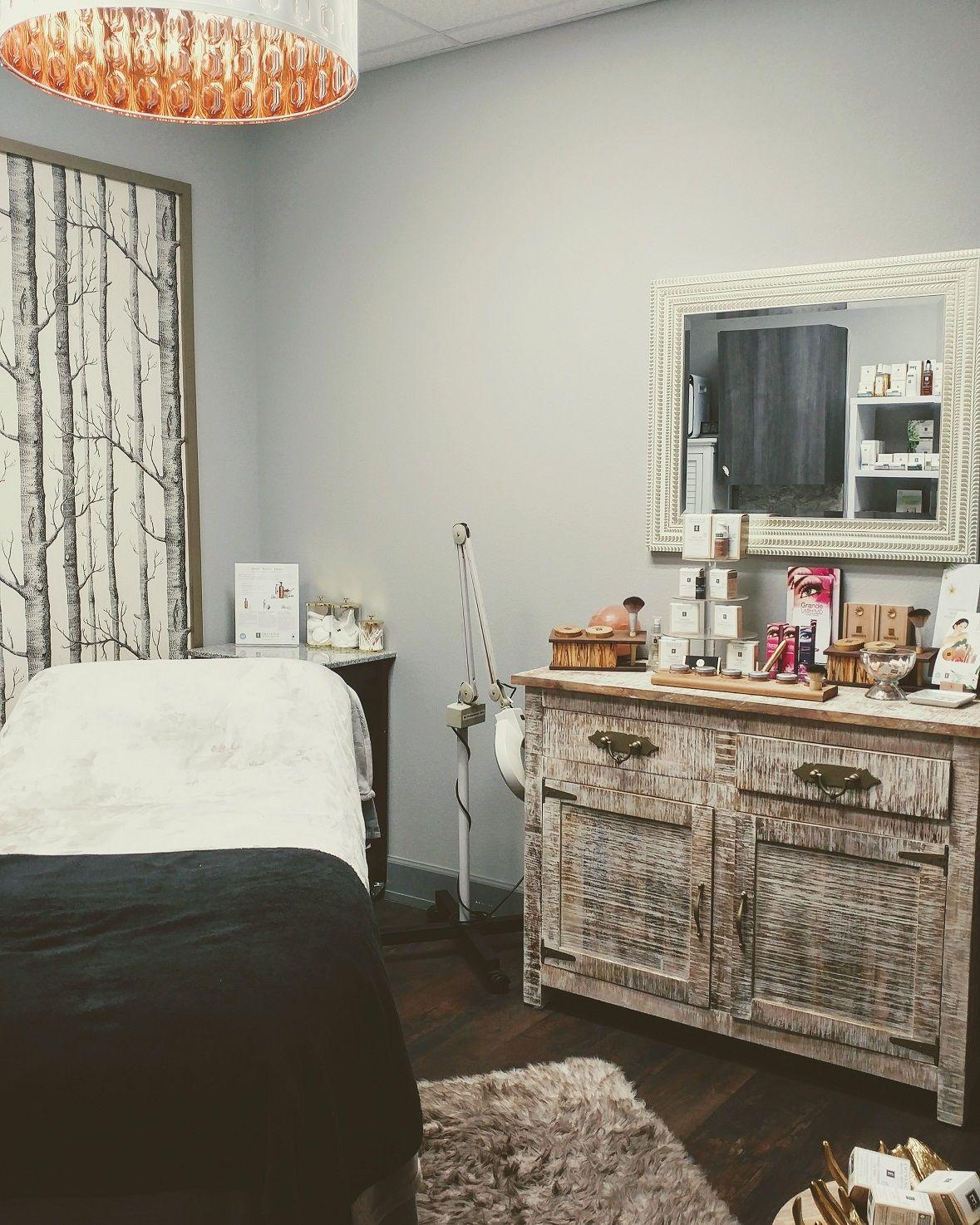 Esthetician Suite @ Salons by JC - Edina/Richfield | Salon Suite ...