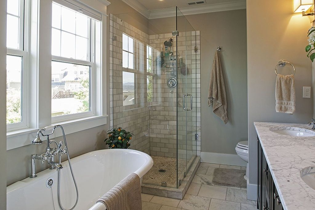 Traditional Master Bathroom With Complex Marble Tile