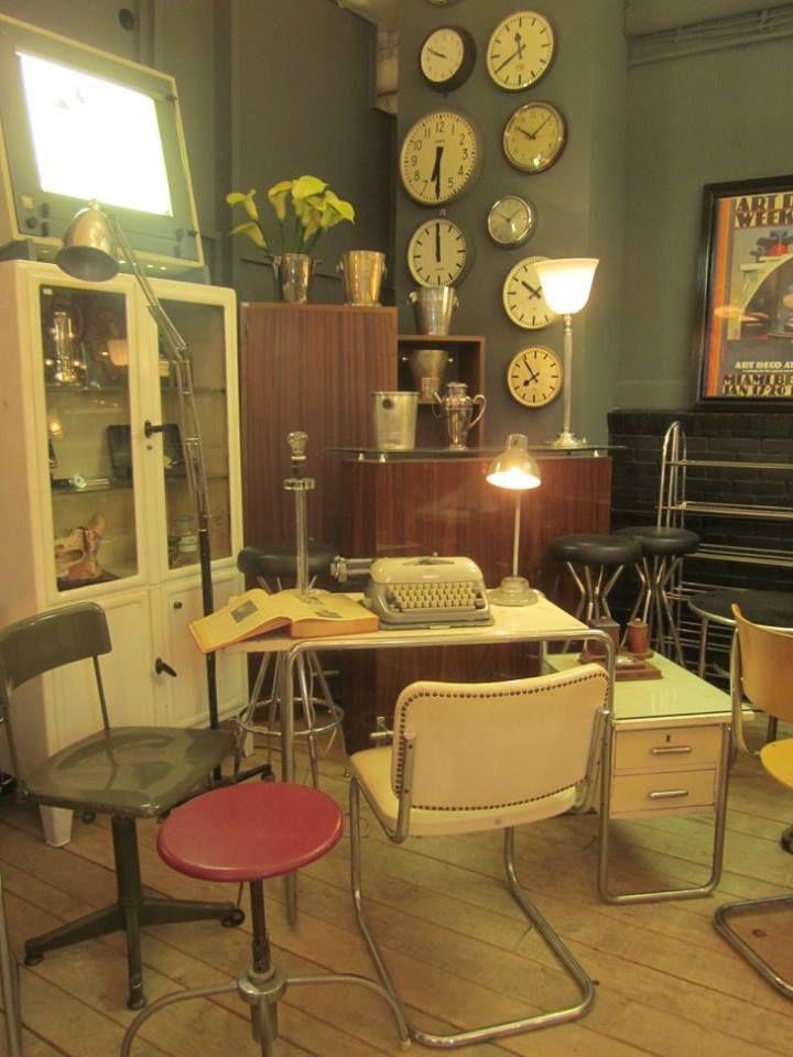 vintage d sseldorf wandelantik bauhaus design m bel. Black Bedroom Furniture Sets. Home Design Ideas