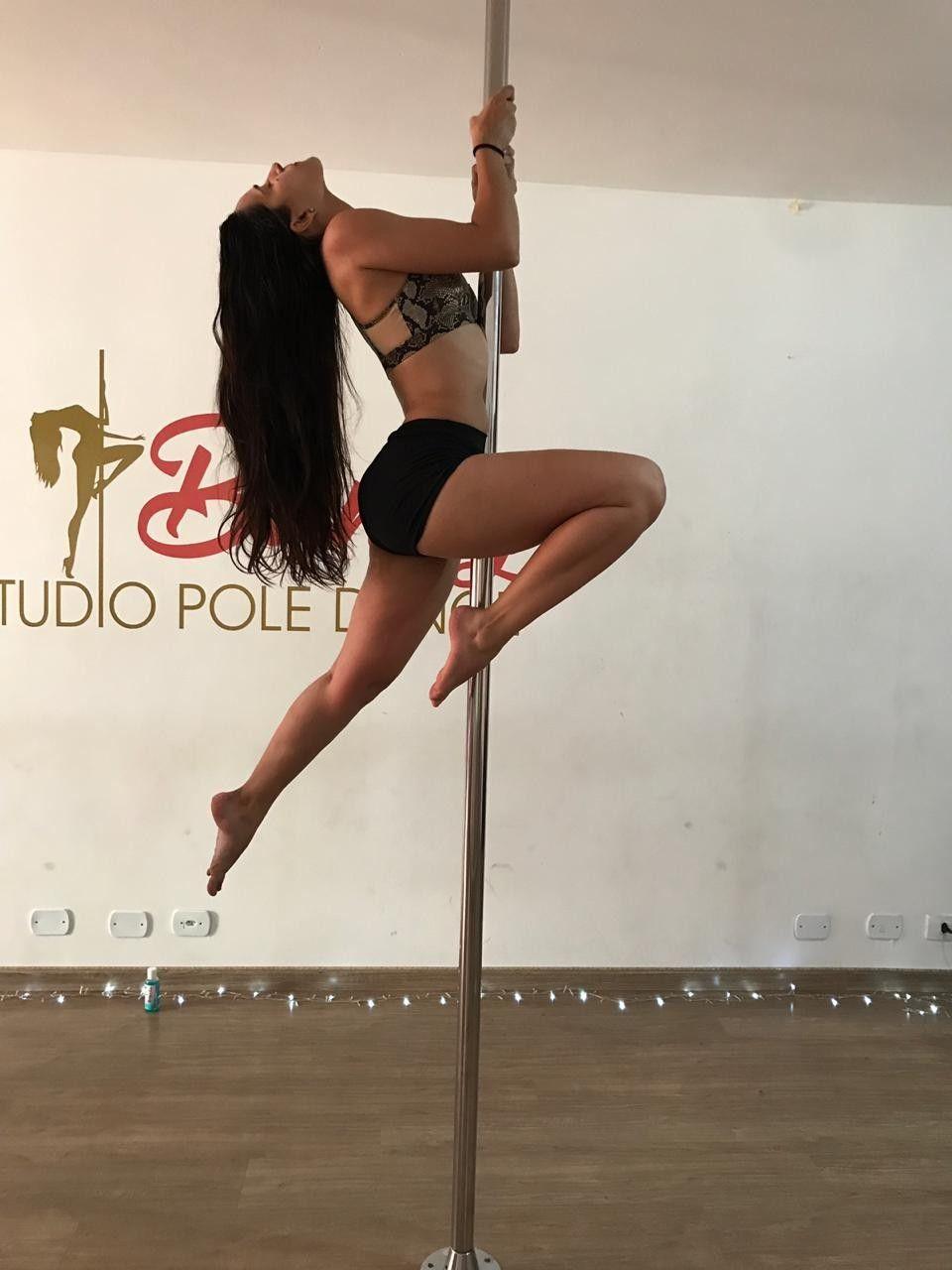 Pole Dance Move Pole Poses Photo Shoots Pole Dancing Pole Dancing Fitness