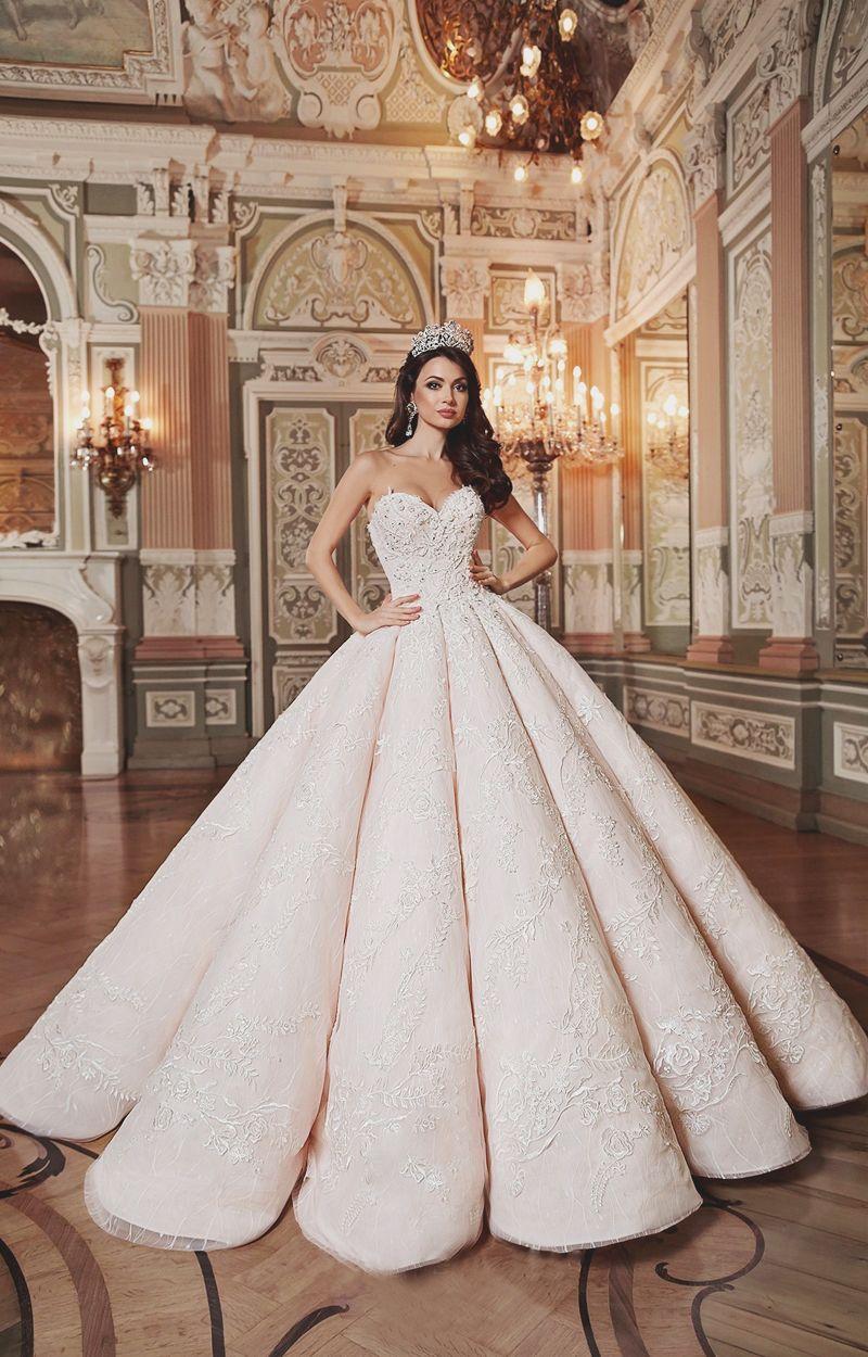Cinderella wedding dress disney store   Magnificent Statement Ball Gowns For Fashion Conscious Brides