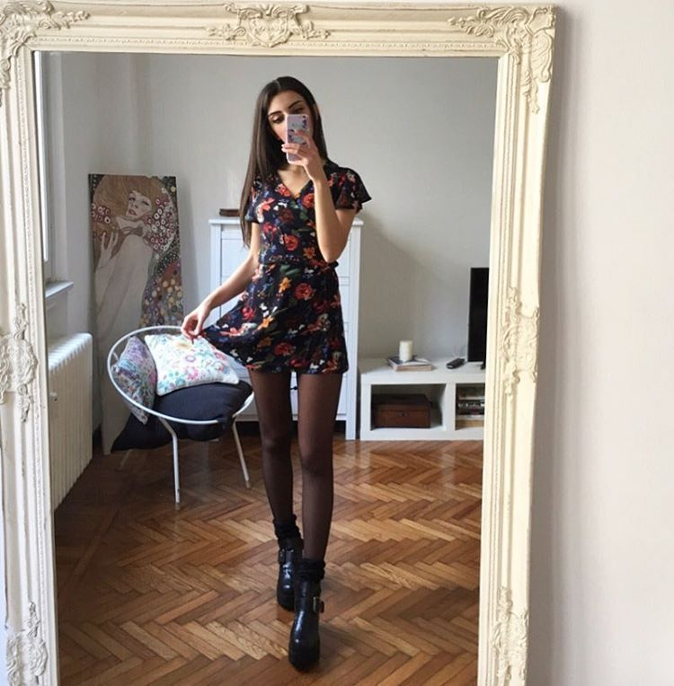 "6,999 curtidas, 145 comentários - @mari_malibu no Instagram: ""So here's my #valentineday look! @axparis dresses make me the happiest peach ever  #axparis"""