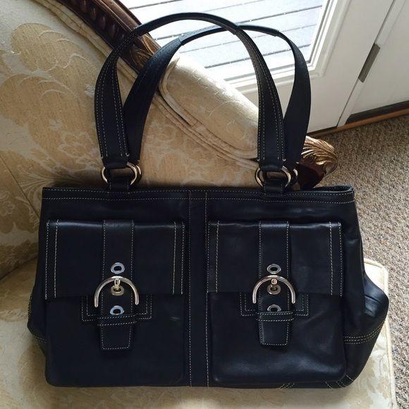 bffb619b86 Coach Large Soho Black Leather Shoulder Bag This Large Coach Black Leather  Soho Satchel features two