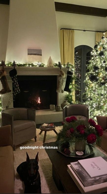 Beverly Hills Christmas Tree Lighting 2020 Inside Kendall Jenner's $8.5M Beverly Hills mansion featuring a