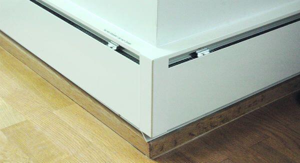 radiateur plinthe prix des plinthes chauffantes brico. Black Bedroom Furniture Sets. Home Design Ideas