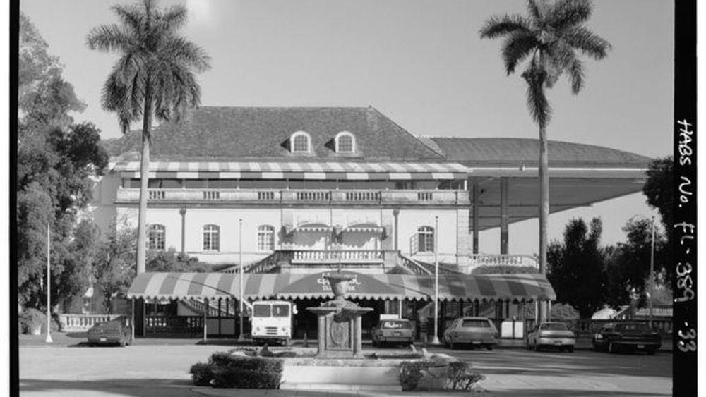 57 Old Photos of Hialeah Park in All its Architectural Grandeur