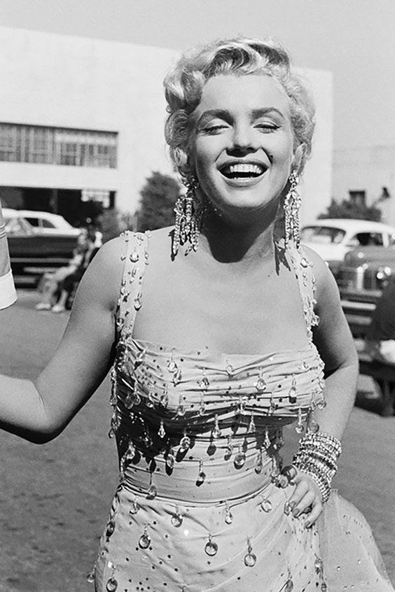 Marilyn on the set of There's No Business Like Show Business, 1954. Photo by Gene Lester.