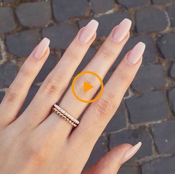 79 diseños de color de uñas de verano para uñas de gel de brillo acrílico