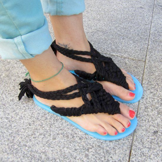 Transform Your Flip Flops Into This Macrame Sandals With Easy