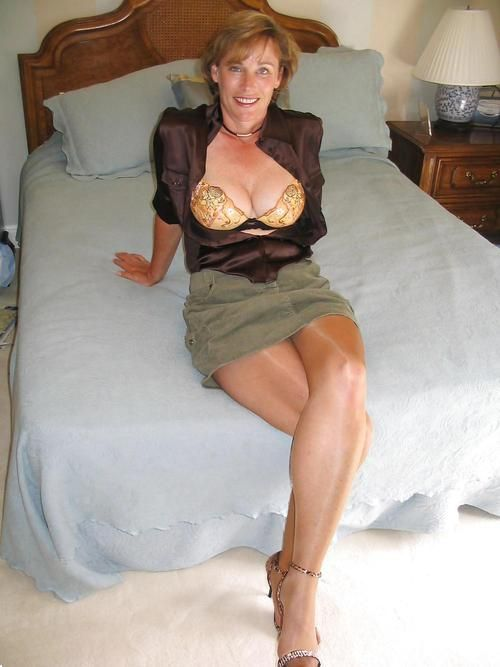 sexy mature women Beautiful