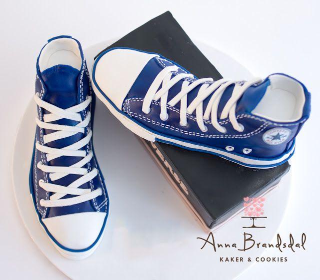 Anna Brandsdal - Kaker & Cookies: Blå Conversekake til konfirmasjon    Converse shoe cake