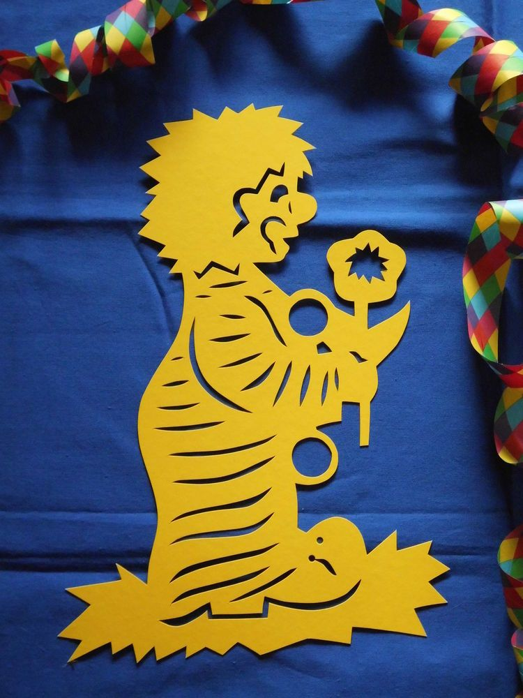 Fensterbild tonkarton karneval clown mit blume gelb 33 cm deko filigran neu in bastel - Fensterbilder karneval ...