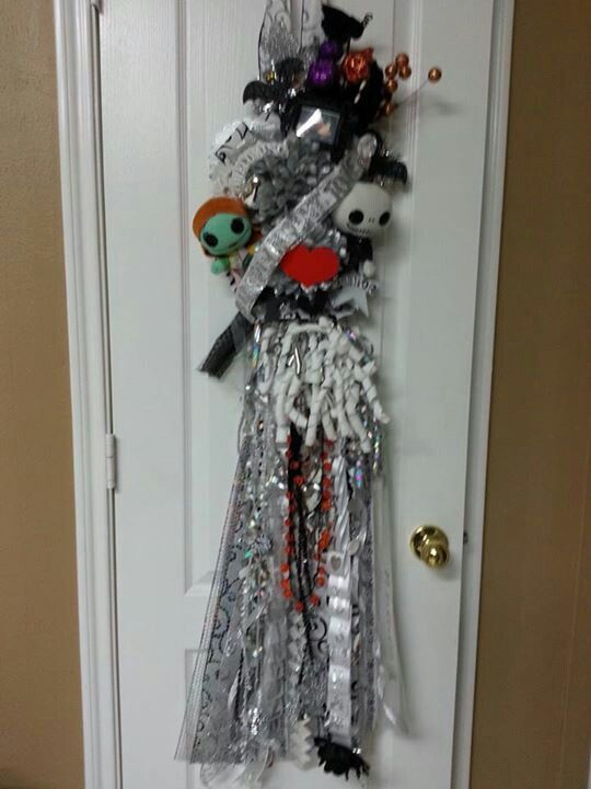 Christmas Homecoming Ideas.Finished Nightmare Before Christmas Homecoming Mum Ahhh