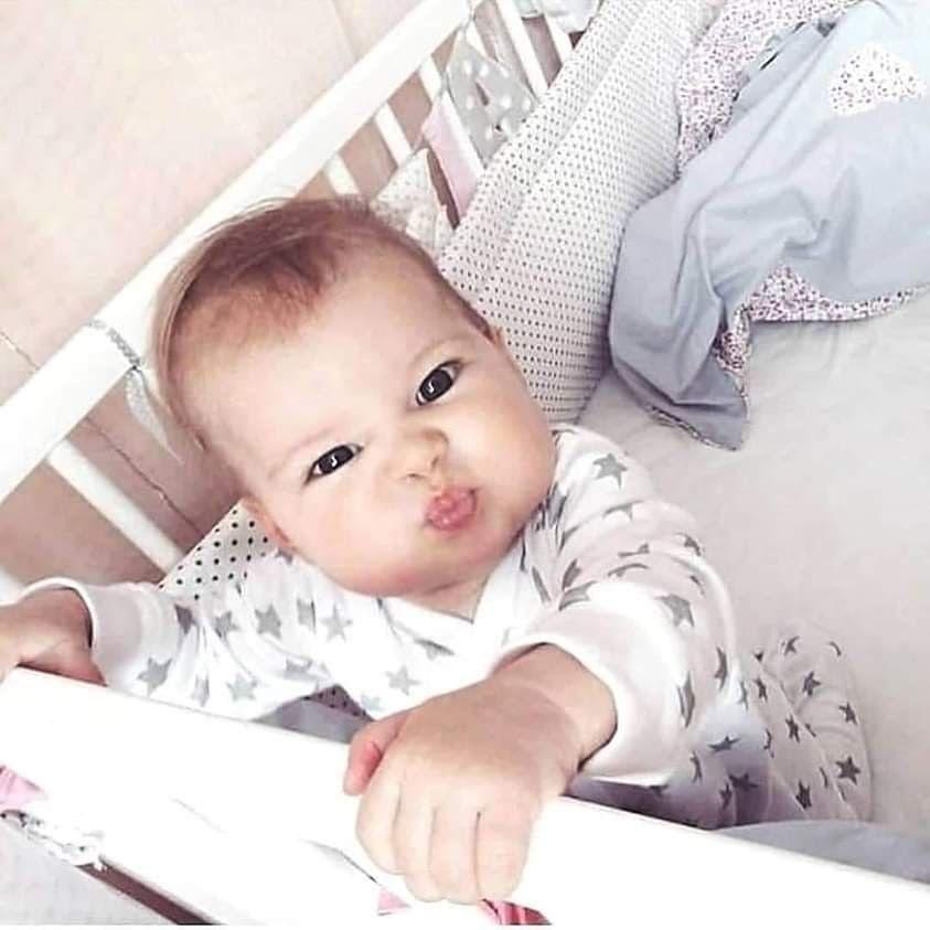 دا بيكون إحساس الطفل كل مبيكبر يوم وانتي لسة بتقوليله حبيبي انت يا لوح مامي يلا ناكل كوكو و نسلب امبو بيقولك بقي اي Cool Baby Stuff Baby Swag Baby Smiles