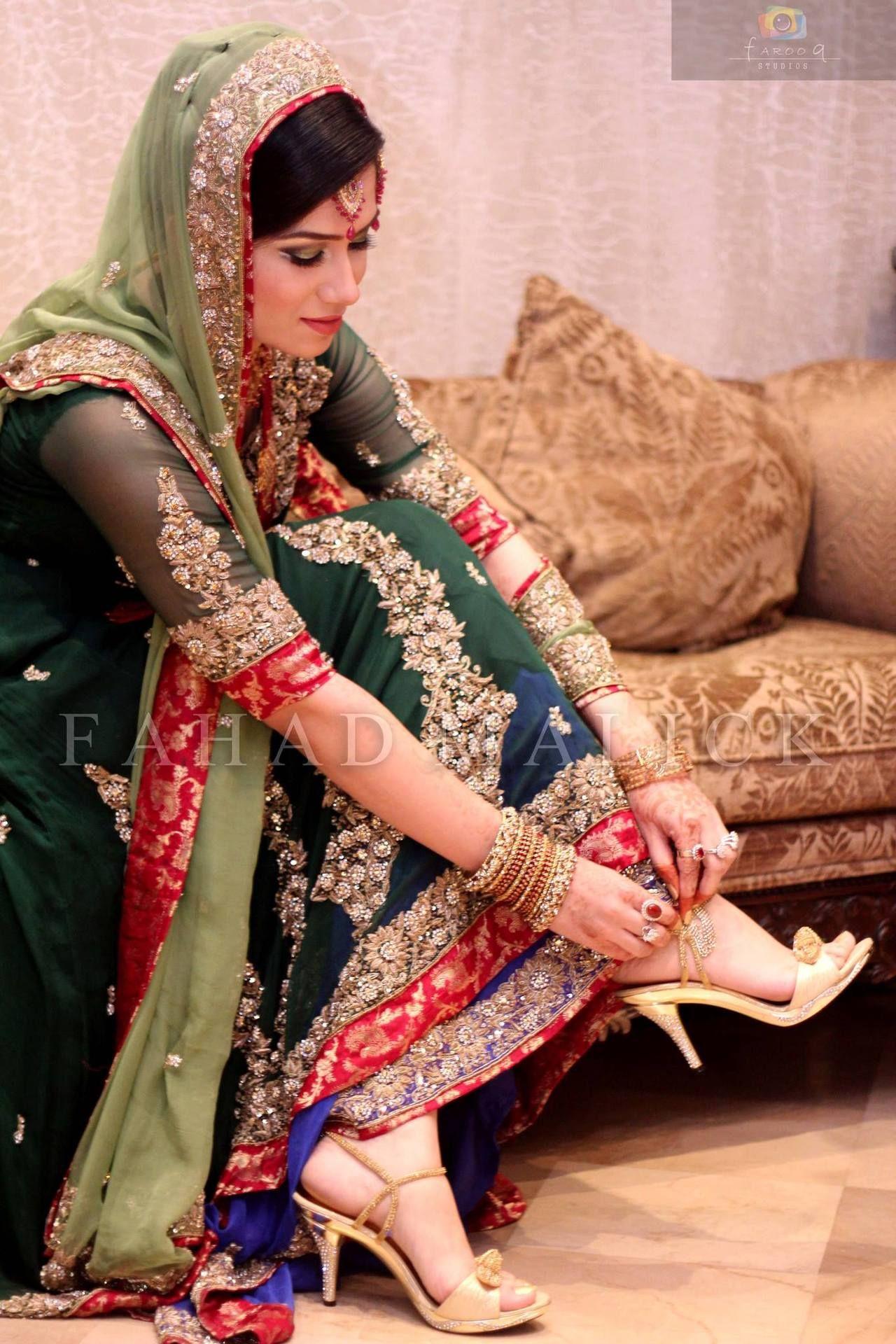 1eadd9d975 Pakistani Bride Light and dark green combination | Wedding ...