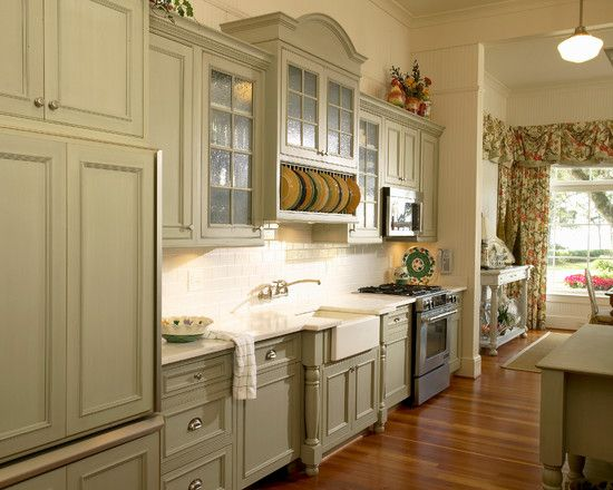 Bon Wonderful Light Green Kitchen Cabinets Ideas: Classic Traditional Kitchen  With Light Green Kitchen Cabinets And Vintage Style Kitchen ~ Oiprs.com  Furniture ...