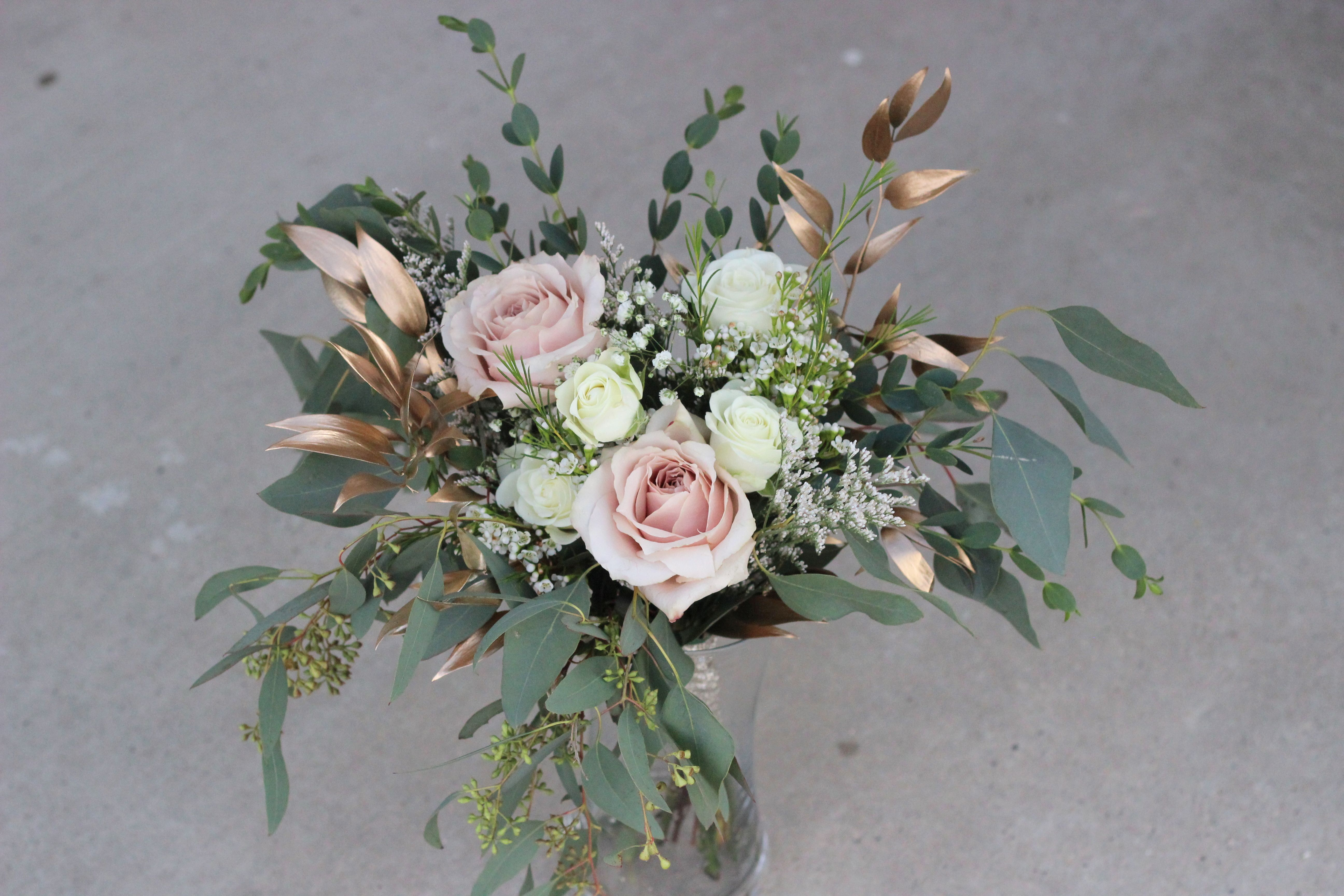 Bridesmaids Bouquet Quicksand Roses White Lisianthus Gold Tinted Italian Ruscus Eucalyptus Baby S Breath Bridesmaid Bouquet Wedding Bouquets Wax Flowers