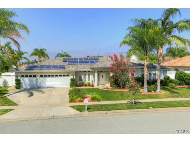 Your Invited To An Open House This Sunday August 24 2014 From 1 00 To 4 00 P M At 621 Golden West In Redlands Ca Cont Redlands Sale House Land For Sale