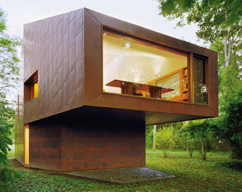 Contemporary Exterior and Andrew Berman Architect in Long Island, New York