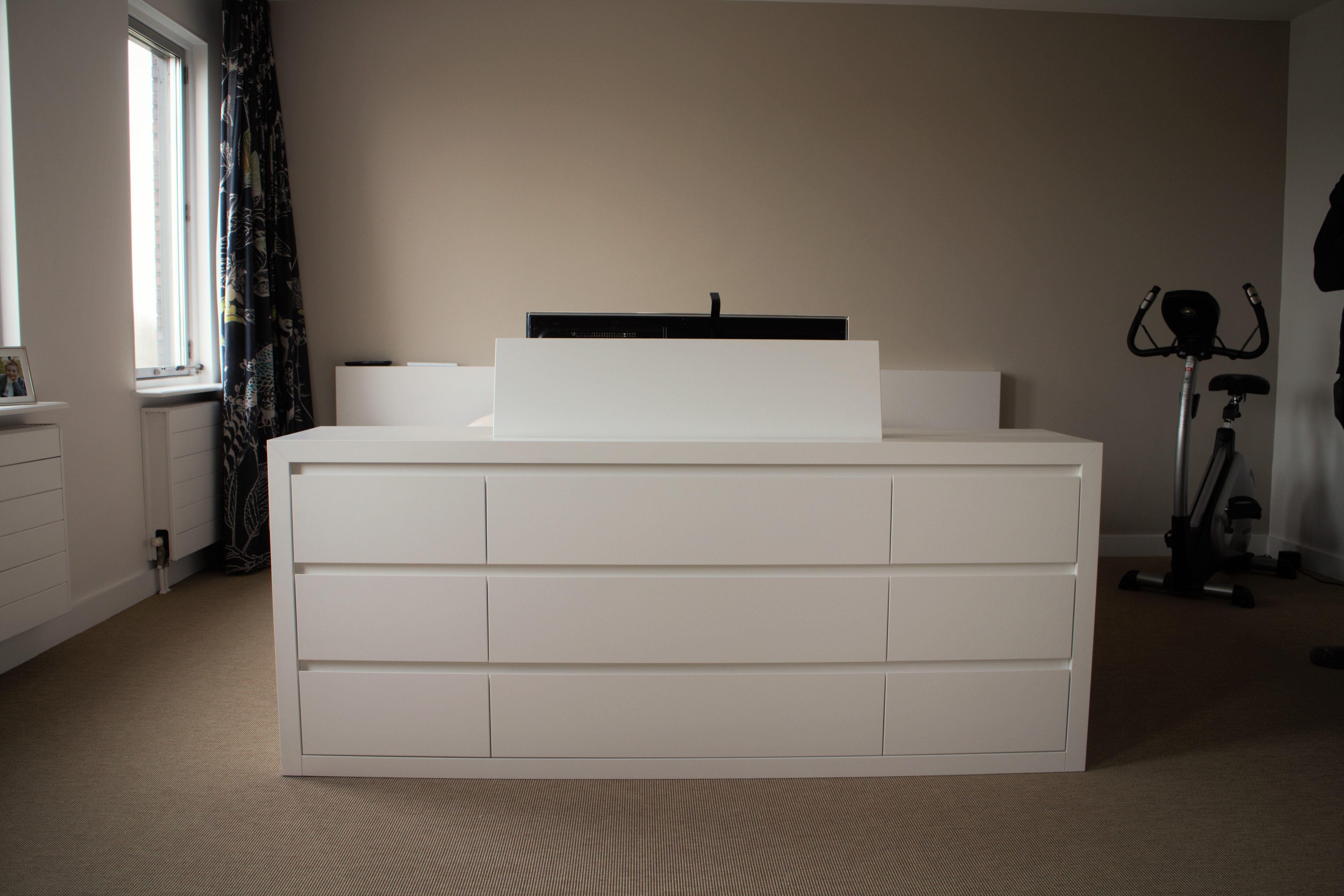 Best Tv Lift Meubel Aan Voeteneinde Bed Interieur Pinterest 640 x 480