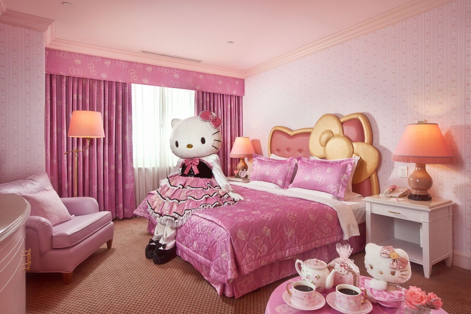 Kids Room: Contemporary Kids Bedroom Design With Leather Hello Kitty  Headboard Bed And Pink Comfy Armchair Also Textured Pink Wallpaper And Hello  Kitty Bed ...