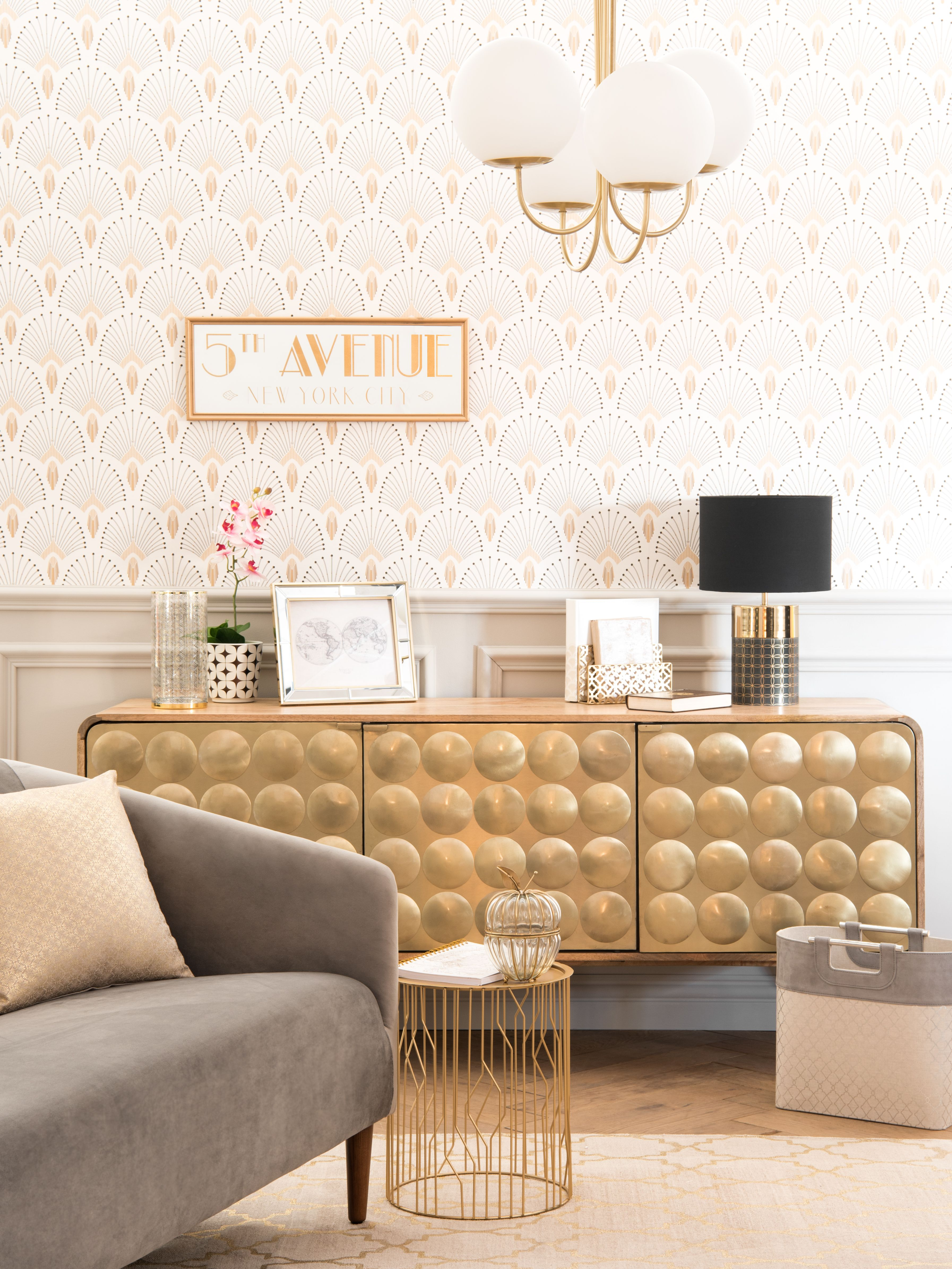 Introduce Some Sparkle To Your Home With Gold Home Decor