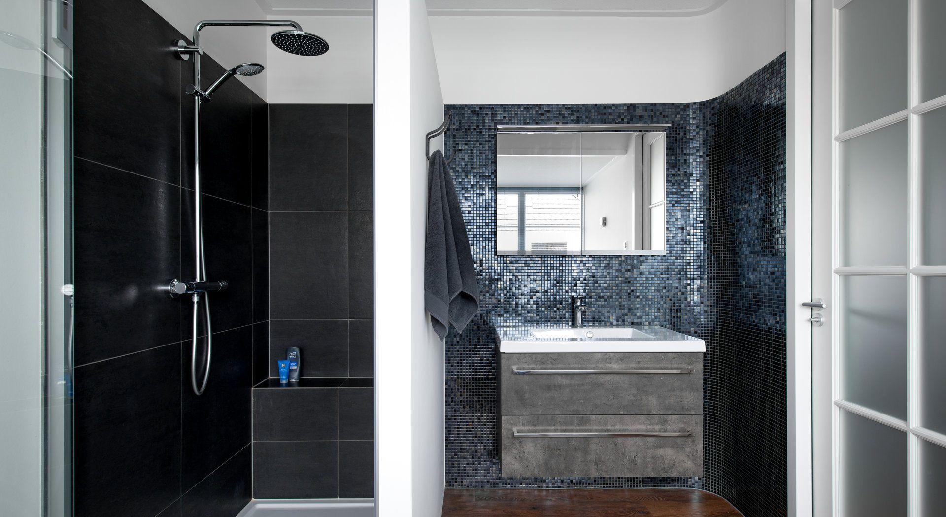 Mozaiek badkamer van Middelkoop Culemborg gecombineerd met een PVC ...