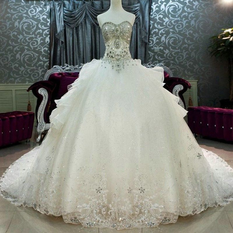 Fancy Cathedral Train Wedding Dresses Luxury Crystal Beaded Sweetheart Bling Bling Ball Gown Wedding Gown