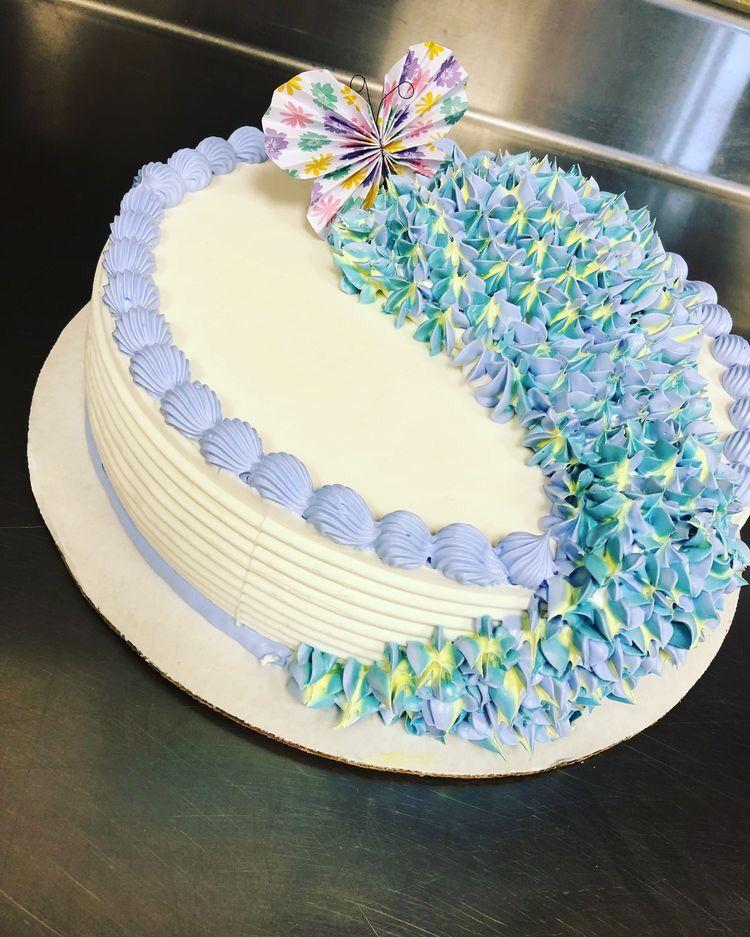 #dqcakes #cake #dairyqueen   Queen cakes, Dairy queen cake