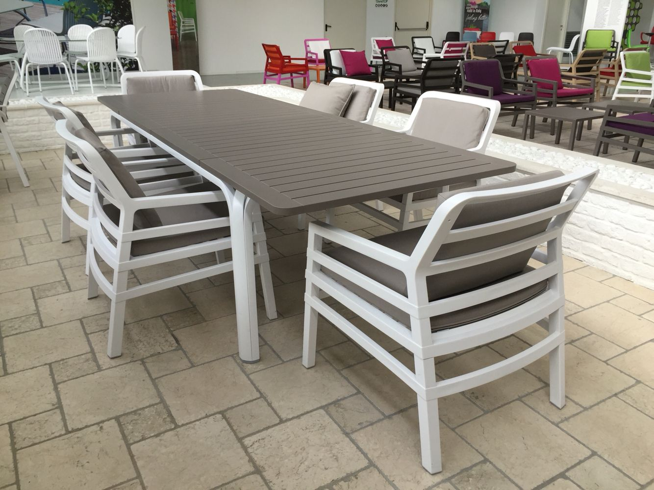 Nardi Alloro 210-280 Extension Table With Aria Chairs