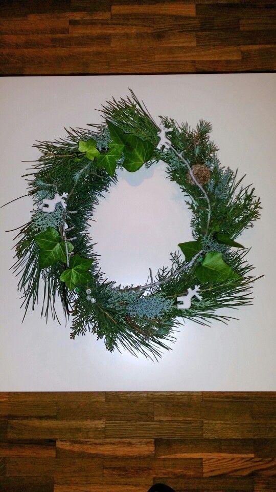 My Christmas wreath / Christmas DIY / Mi Corona de Navidad / decorations / wreaths #christmaswreath #corona de navidad