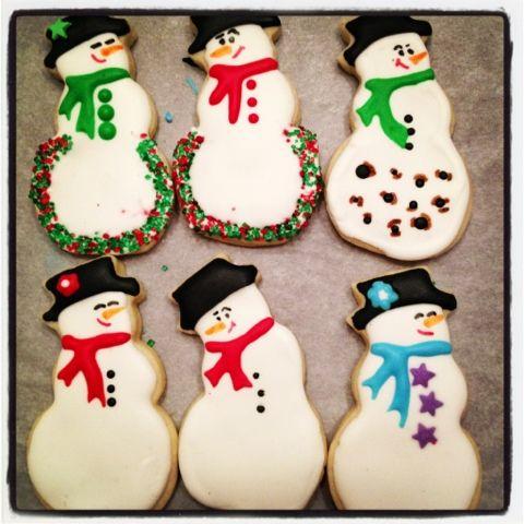 cheeky little snowmen!  suerender yourself...: a blue Christmas...