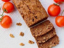 Špaldový chlieb so sušenými paradajkami a vlašskými orechmi