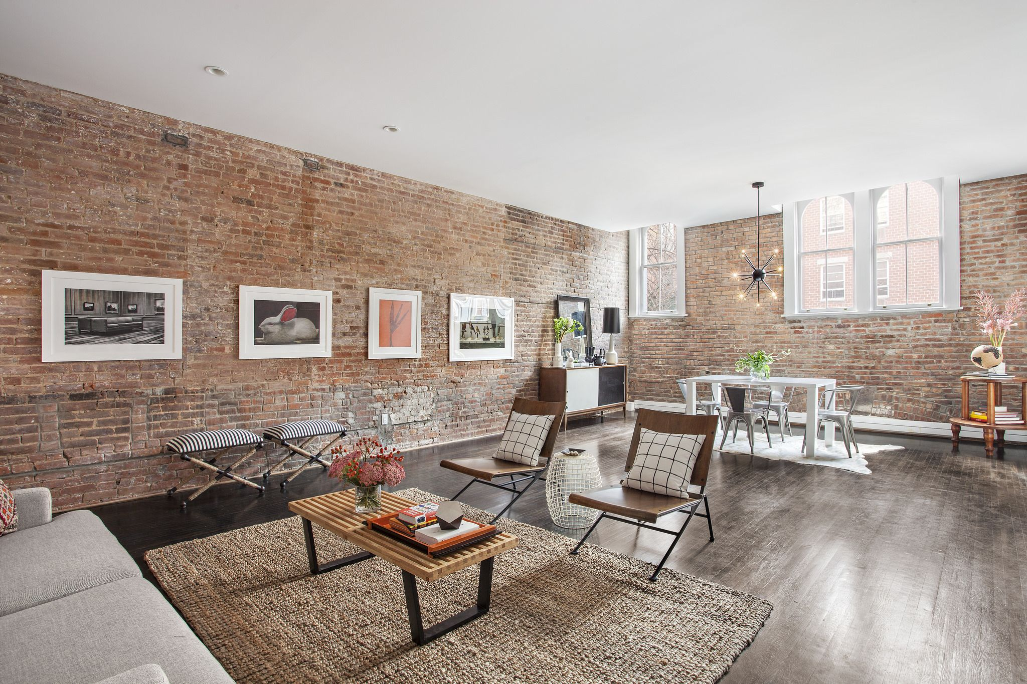 Thoroughbred in the carriage house 31 St Felix Street 1 Fort