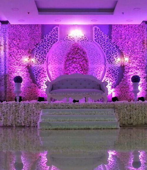 تختلف تصاميم كوشة العروس وتتنوع بأفكارها وأحجامها وألوانها وتعطى اهتماما كبيرا ضمن ديكور حفل الزفاف نظرا لأهميتها نقدم للعروس اجمل صور كوش الزفاف لت Wedding