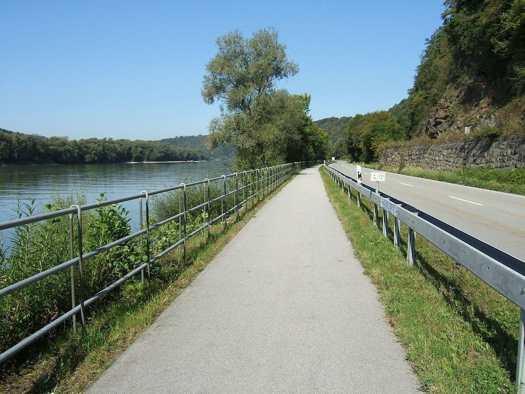 danube_bike_trail.jpg