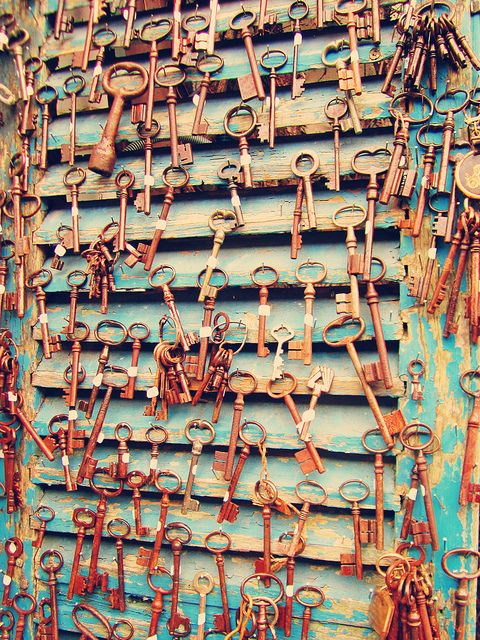 Played around in Photoshop with a picture I took of vintage keys at the Montmartre Marché aux Puces (flea market) in Paris. #30daysofcreativity