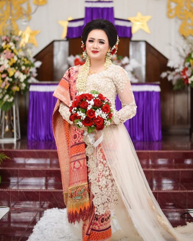 Batak Traditional Wedding Di 2021 Pengantin Wanita Pakaian Wanita Gaya Model Pakaian