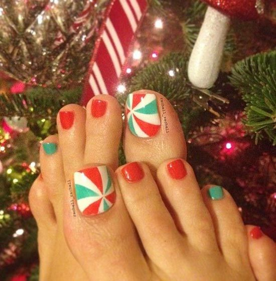 30 best and easy christmas toe nail designs christmas toes toe 30 best and easy christmas toe nail designs prinsesfo Image collections