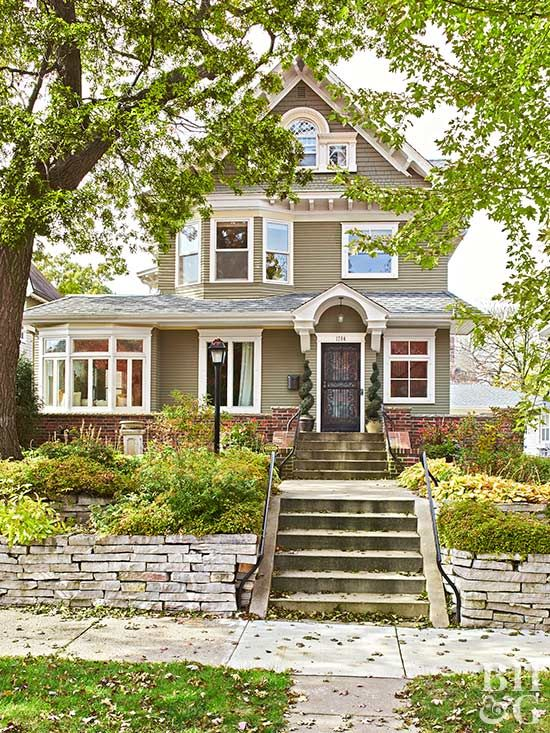 Exterior Exciting Exterior Home Design With 32x74: A Victorian Manor Packed With Playful Decor