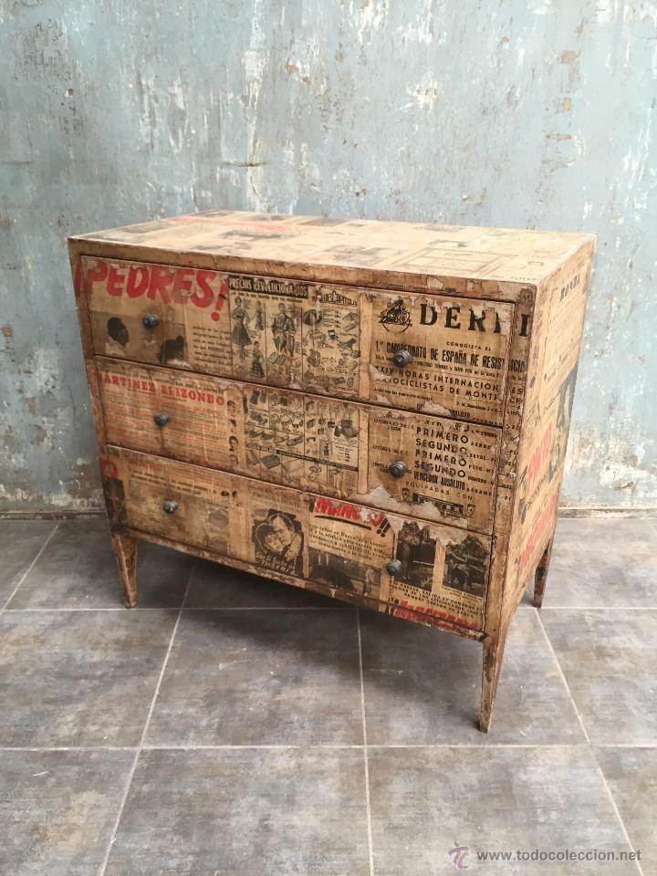 Cómoda Vintage Forrada De Papel De Periódico Foto 1 Ideas De Muebles Pintados Muebles Hechos A Mano Muebles Recuperados
