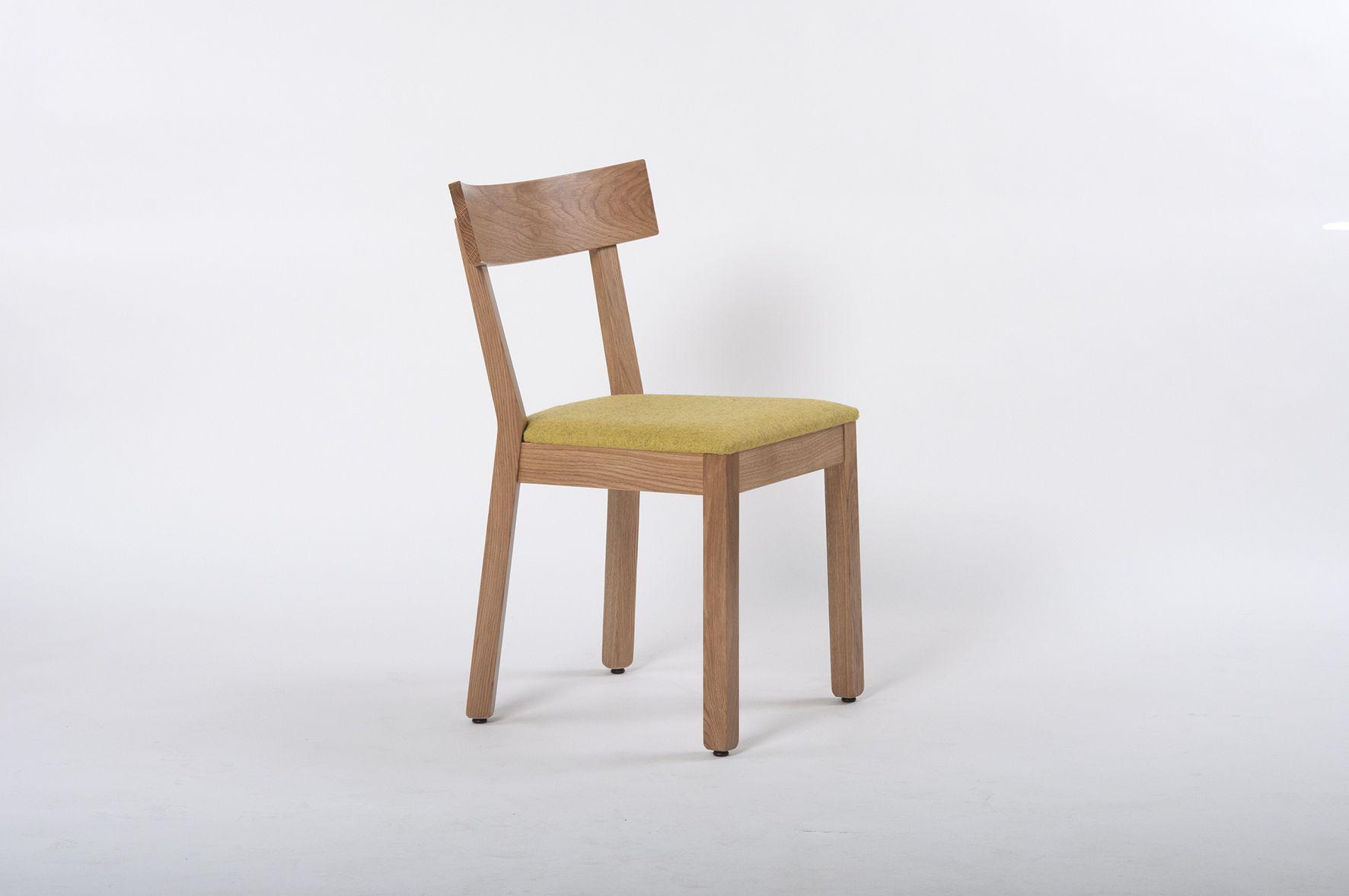 Wie Beim Holz Steht Unser Mobeldesign Unter Der Pramisse Der Nachhaltigkeit Jeder Tisch Jeder Stuhl Wird Mit Viel Lieb Gastronomie Mobel Stuhle Polsterstuhl