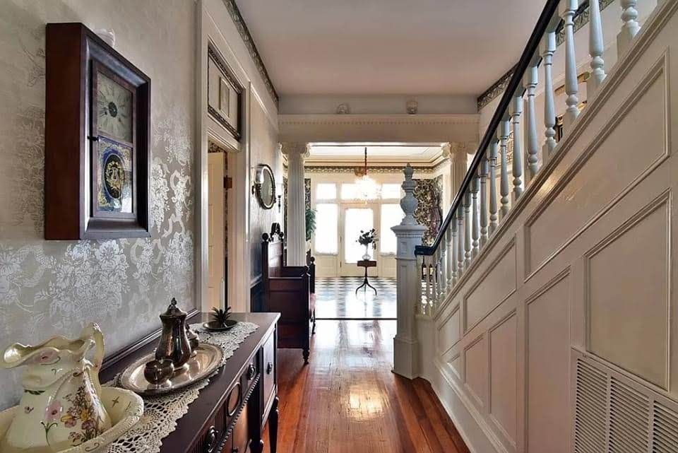 1905 Greek Revival For Sale In Dawson Georgia — Captivating Houses